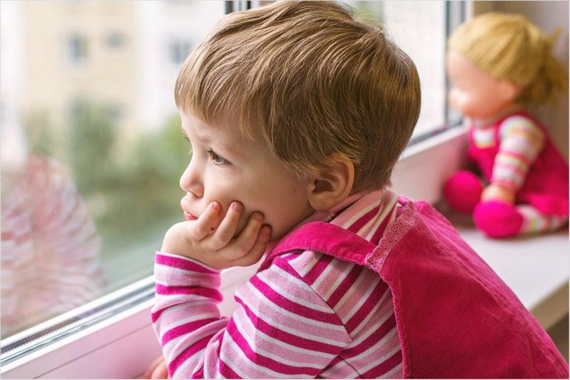 В каких случаях можно оформить опеку над ребенком при живых родителях